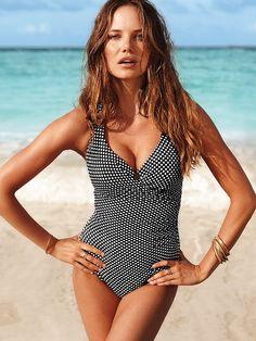 control firme y efecto moldeador #VictoriasSecret http://espanol.victoriassecret.com/swimwear/magicsuitproduct-_-x-_-x