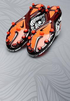 Dark Obsidian Covers The Nike Free Hypervenom 2 FC