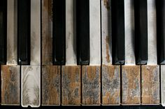tickled to death-would be near to have about 20 keys like this to write those exact words on for all my piano player friends, such a cute idea.
