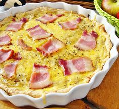 Quiche Lorraine, 30 Minute Meals, Hawaiian Pizza, Bacon, Food And Drink, Cooking, Breakfast, Lawn, Mariana
