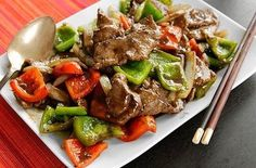 Chinese Pepper Steak (Stir Fried Beef with Onions, Peppers, and Black Pepper Sauce)