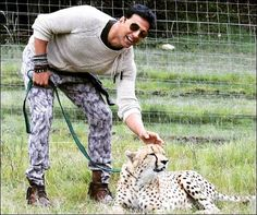 Akshay kumar at his best look Akshay Kumar Style, Architecture Design, Twinkle Khanna, Dhoni Wallpapers, Francisco Lachowski, My First Crush, Funny Tattoos, Handsome Actors, Bollywood Stars