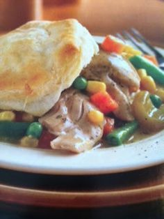 Easy crockpot recipes: Chicken and Biscuit Pot Pie Crockpot Recipe