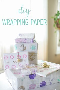This beautiful #DIY wrapping paper can be made using ordinary kitchen items like a muffin tin or an egg carton.