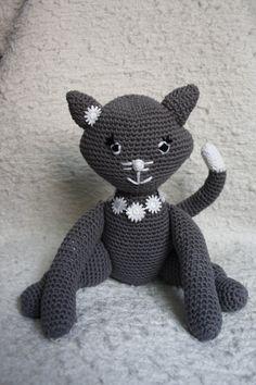 Amigurumi Gatita Kitty : Crochet Cat Pattern on Pinterest Cat Crochet, Crochet ...