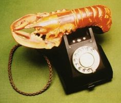 The Lobster Telephone 1936 Salvador Dali Salvador Dali Gemälde, Salvador Dali Paintings, Vin Nouveau, Lobster Art, Mae West, Beautiful Mind, Victoria And Albert Museum, Weird And Wonderful, Telephone