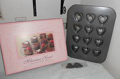 Williams-Sonoma-Miniature-Mini-Heart-Cheesecake-Baking-Pan-7556657 Romantic Kitchen, Kitchen Must Haves, Mini Heart, Williams Sonoma, Baking Pans, Cheesecake, Miniatures, Ebay, Cheese Cakes