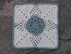 Birdlebee's February Pineapple Blossom ~ free pattern