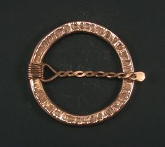 Scarf clip, copper pseudo-penannular, version 001 by crquack on Etsy