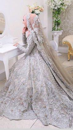 Pakistani Wedding Outfits, Pakistani Bridal Dresses, Pakistani Wedding Dresses, Wedding Dresses For Girls, Wedding Hijab, Hijab Bride, Bridal Hijab Styles, Asian Bridal Dresses, Asian Wedding Dress