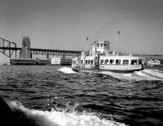 The Kooleen ferry on the Sydney Harbour. Sydney Ferries, Bronte Beach, What A Wonderful World, South Wales, Public Transport, Wonders Of The World, Over The Years, Beaches, Nautical