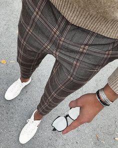 1,2,3 or 4?✅ • • • • • #prestigemenfashion #menfashionreview #absolutebespoke #menblogger #simplydapper#guysfashion #menfashionblogger… Blazer Outfits Men, Casual Outfits, Men Casual, High Fashion Men, New Mens Fashion, Foto Fashion, Mens Dress Pants, Athleisure Wear, Mens Style Guide