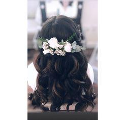 Hair Looks, Bridal Hair, Curls, Crown, Elegant, Fashion, Classy, Moda, Corona