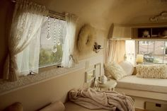 Creamy, romantic vintage camper (pinned from Whimsy) Camping has reinvented itself and is now more inviting to even the most glamo. Vintage Airstream, Vintage Caravans, Vintage Travel Trailers, Vintage Campers, Caravan Vintage, Shabby Vintage, Vintage Style, Trailer Decor, Trailer Interior