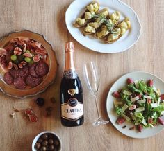 Valentine's Day Picnic Ideas   Monnig Social Media Management   #wineandfoodwednesday South African Wine, Wine Pairings, Picnic Ideas, Wine Recipes, Wines, Management, Yummy Food, Beef, Social Media