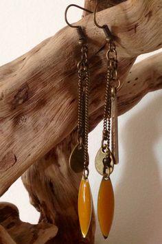 Boucles d'oreilles en métal coloris bronze et sequin coloris camel : Boucles d'oreille par l-ecrin-creatif