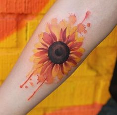 Watercolor Sunflower by Joice Wang watercolor tattoo Wonderful Watercolor Tattoos for Women - TattooBlend Watercolor Sunflower Tattoo, Sunflower Tattoo Simple, Sunflower Tattoo Shoulder, Sunflower Tattoos, Sunflower Tattoo Design, Watercolor Tattoos, Small Sunflower, Floral Watercolor, Boys With Tattoos