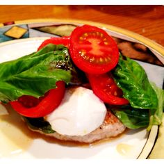Caprese turkey burger: mozzarella, basil and fresh tomatoes with a drizzle of balsamic. Perfect no carb dinner.