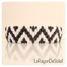 Bracelet. Black  white SuperDuo beads. Chevron by LeRayonDeSoleil, €29.00