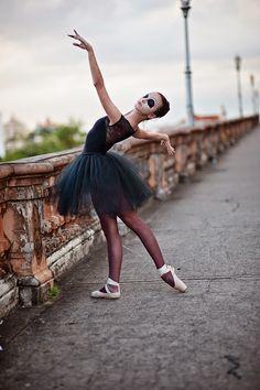 fotos-book-15-anos-bh-melhores-criativas-bailarina-estudio-studio-fazer-15-anos-festa-ADR1033.jpg (700×1052)