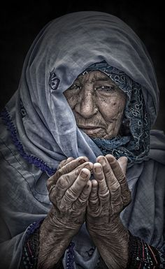 Blessings For You. Emotional Photography, Dark Photography, Portrait Photography, Old Faces, Interesting Faces, Portrait Art, People Around The World, Belle Photo, Beautiful People