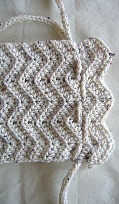Easy-Peasy Crochet Purse w/drawstrings: free pattern