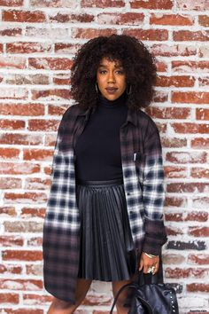 WINTER BACK TO SCHOOL OUTFIT IDEAS X DIAMOND SUPPLY CO. 2 | Check out how I style this Diamond Supply Co. women's flannel for an easy breezy Back-to-School look! | iluvette.com