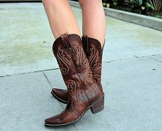 RED VINES FOR BREAKFAST: Ariat Boots Giveaway Heritage Boots - Vintage Caramel