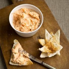 Best Chirstmas Canape recipes his super quick and easy salmon paté makes a great canapé for a drinks party. Serve up with melba toasts for a charming retro feel. Try Lisa Faulkner's smoked salmon pate recipe Easy Canapes, Canapes Recipes, Pate Recipes, Fish Recipes, Seafood Recipes, Cooking Recipes, Appetizers, Salmon Recipes, Vegetarian Recipes