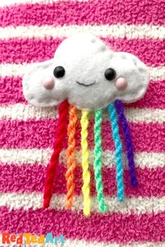 DIY Felt Cloud Brooch - Sewing with Kids - Red Ted Art Creative Activities For Kids, Easy Crafts For Kids, Cute Crafts, Creative Kids, Diy For Teens, Diy For Kids, Teen Crafts, Sewing Projects For Kids, Sewing For Kids