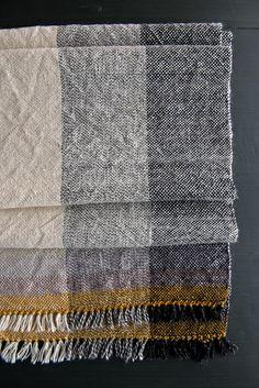 woven-field-scarf-600-18