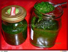 Pesto z medvědího česneku recept - TopRecepty. Pesto Dip, Quinoa, Thanksgiving Pies, Marmalade, Pork Chops, Chutney, Korn, Kimchi, Pickles