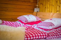 A true romantic getaway tucked away in the quiet Wildi area of Saas Fee. A true romantic g Saas Fee, Balcony Design, Romantic Getaway, Great View, Summer Time, Cosy, Bed Pillows, Taxi, Studio