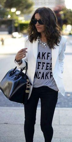White blazer + black skinnies.