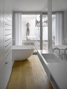 RD Na Zelenem pruhu | D3A d3a.cz | white furniture, oak, interior, design
