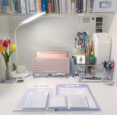Study Room Decor, Study Rooms, Study Desk, Room Ideas Bedroom, Bedroom Decor, Study Table Designs, Desk Layout, Desk Inspiration, Desk Set