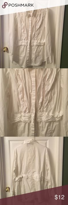 Fantastic long sleeved button down blouse ❤️ This is a great blouse that I've worn both casually and professionally! 🌟 it is super cute... button down with a fun flare design on front and back. Sleeves are full length with double buttons... CLASSY! 100% cotton INC International Concepts Tops Button Down Shirts