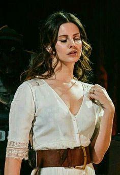 Lana Del Rey performing at SXSW in Austin #LDR