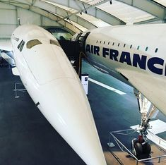 Not one but two Concorde in the same industrial unit! Concorde, Military Jets, Military Aircraft, Fighter Aircraft, Fighter Jets, Tupolev Tu 144, Boeing 727, Passenger Aircraft, Airplane Design