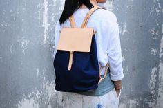 Handmade Leather And Canvas Backpack от ArtemisLeatherware на Etsy