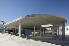 Estepa-Busstation, Foto:©Fernando Alda - Unbehandelte und einfache Materialien findet man in der Bauweise der spektakulären Busstation in Spanien. Architekt Fernando Suárez Corchete und seinem Team haben hier ein anspruchsvolles Meisterwerk erschaffen.