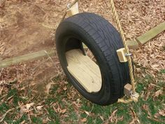 painted+tire+swings | Recycled Tire Tree Swing. $129,00, via Etsy.