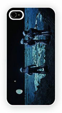 2001: A Space Odyssey - Moon Cas de telephone portable pour l'iPhone 4, 4S, 4, 5S, 5C et Samsung Galaxy S4 Retour couverture rigide - pas de telephone inclus Moule en polycarbonate dur couverture arriere avec l'image imprimee comme le montreCouleur impression directe est fondu et resistant aux rayures et offre une protection aux chocs et impactsSimple et facile snap sur l'installation d'un acces complet a la camera et portsGratuit Livraison dans le monde…
