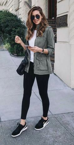 Nichole Ciotti, jaqueta verde musgo, blusa branca, legging preta, tênis esportivo Source by fashion casual Mode Outfits, Fall Outfits, Fashion Outfits, Spring Outfits Women Casual, Dinner Outfits, Spring Outfits For School, Casual Style Women, Spring Outfits For Teen Girls, Fashion Clothes