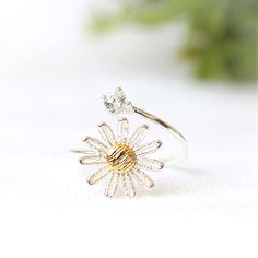 Daisy Lace Ring in 925 sterling silver / daisy and cz ring, adjustable ring
