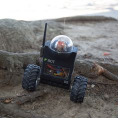 Build your own self-balancing bot with GPS and autopilot. #Atmel #Arduino #GPS #Robotics #Robots (via @makemagazine)