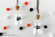 DIY HALLOWEEN BUDDY NECKLACE - The Llamas Blog Llamas, Halloween Ideas, Treats, Drop Earrings, Blog, Jewelry, Sweet Like Candy, Goodies, Jewlery