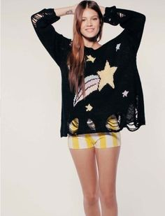 Loose knitted sweater    Wildfox design    Pullover sweater    3 colors available black/white/pink    One size fits all