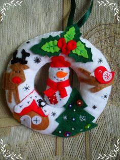 Karácsonyi hóemberes ajtódísz koszorú, Dekoráció, Karácsonyi, adventi apróságok, Otthon, lakberendezés, Karácsonyi dekoráció, Varrás, Meska
