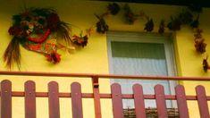 Jana Melas Pullmannová: Šarkan Frame, Home Decor, Youtube, Homemade Home Decor, A Frame, Frames, Hoop, Decoration Home, Youtube Movies